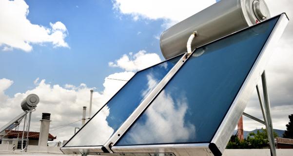 Panneaux solaires thermiques : quel nombre pour une maison ?